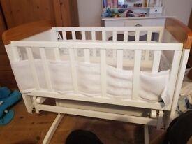 O Baby Winnie Pooh Swinging Crib