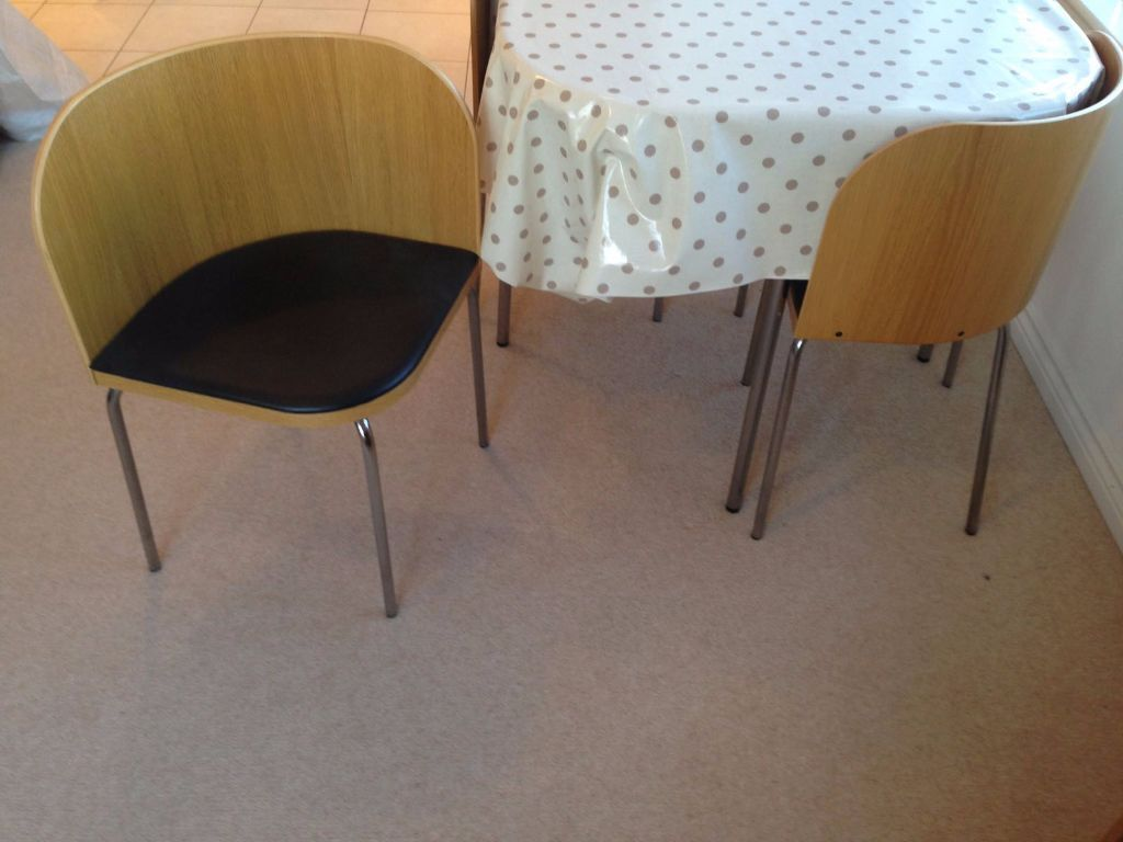Dining table and 4 chairs ikea fusion in ealing london for Table de fusion ikea