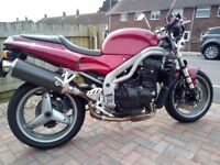 01 Speed triple in lovely condition some mods original parts available new mot rides / sounds great