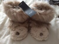 Slippers size 3-4 new with tags