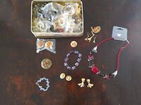 Jewellery tin of mixed items