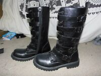 UNISEX BOOTS BRAND NEW SIZE 7