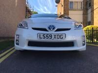 TOYOTA PRIUS IN PEARL WHITE WITH FULL TOYOTA SERVICE HISTORY