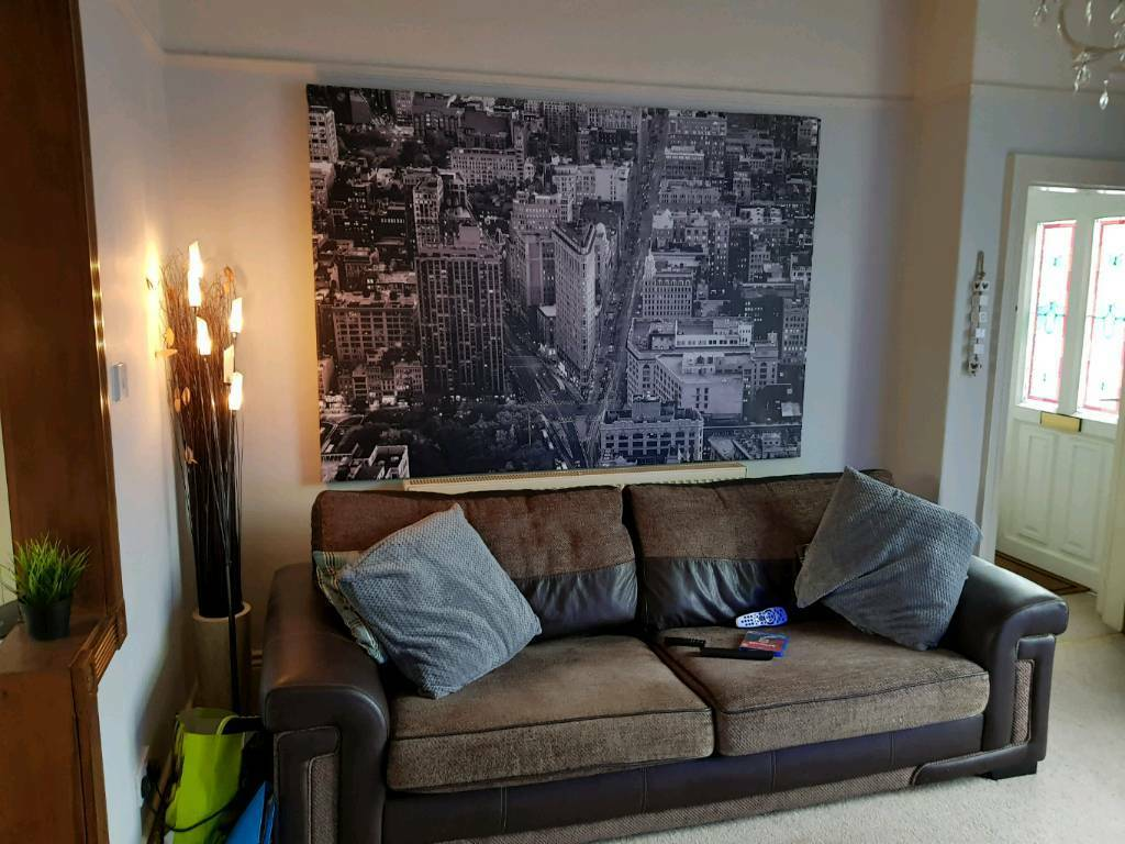 extra large new york canvas picture ikea cost 100 dismantles for collection in huddersfield. Black Bedroom Furniture Sets. Home Design Ideas