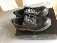 Safety shoes - size 8