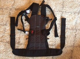 Baby Bjorn WE carrier - black (condition as new)