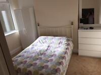 Double room available in friendly houseshare in Splott