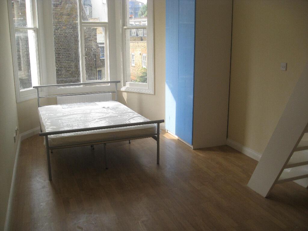 £245 / w - Double studio flat on Sinclair Road close to Kensington Olympia