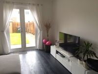 Homely 2/3 bedroom house to rent with private garden and parking