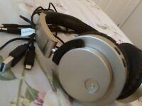Groove Bluetooth headphones