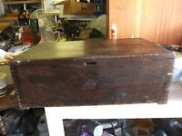 VINTAGE WW2 WOODEN TRUNK WAS BRITISH MILITARY ARMY AMMO PINE TRUNK HAS ROPE HANDLES GOOD CONDITION