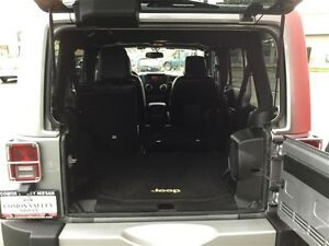 2014 Jeep Wrangler Unlimited Sahara 4X4, Leather, Local, NEW Tir Comox / Courtenay / Cumberland Comox Valley Area image 10