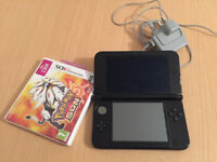 3DS XL blue with charger & Pokemon Sun
