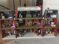 Sylvainian Families Hotel with figures and furniture