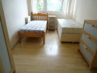 Two twin room in a clean flat, by the local shops, GYM, Buses and free Parking, 4 beds available