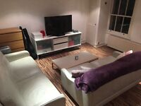 Double badroom in a nice three badroom flat in theart of Notting Hill.