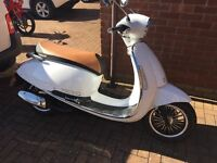 Lexmoto white scooter 125cc
