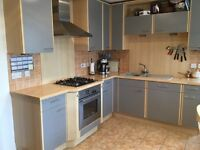 Complete kitchen incl Neff oven and hob, extractor hood, integrated fridge/freezer
