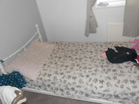 3 single beds, moving countries and can't take. MAKE ME AN OFFER!