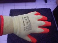 builders gloves size xl but fit in the middle of large and xl brand new very cheap