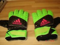 Green/Black Goalkeeping Gloves