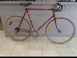 """Vélo de route CCM 24"""""""