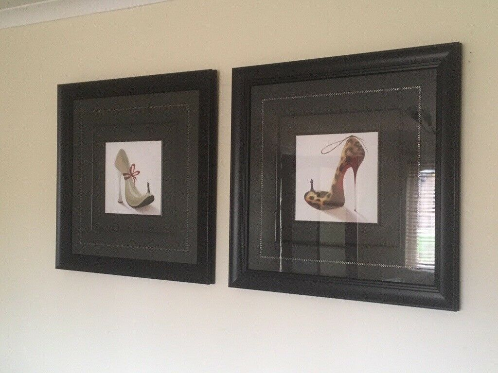 Beautiful Living Room Black Framed High Heel Pictures