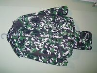 snow suit 2 piece green/white/black size 30 chest/28 waist PROTEST BOARDWEAR in excellent condition