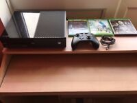 XBOX One 500GB with Original Controller & 3 Games (Sleeping Dogs, Metal Gear Solid V, Rory Mcilroy)