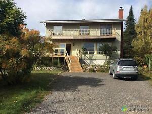 300 000$ - Maison 2 étages à vendre à Sept-Iles