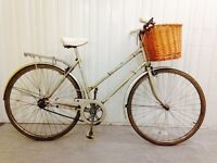 Beautidul Vintage City/Touring Bike..Hub gears,,Serviced Full Mudguards Rack warranty