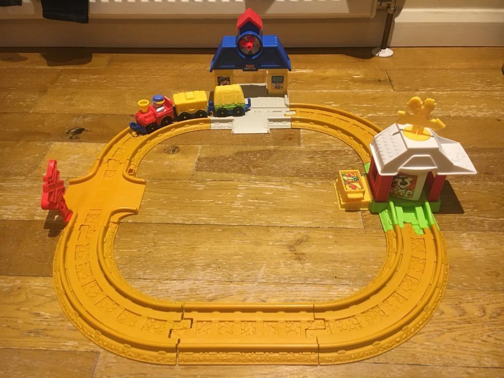 Fisher Price Little People Wheelies Train Set