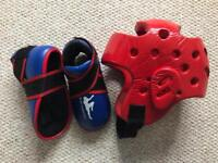 Kickboxing helmet & Foot pads