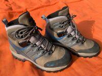 Salomon Adventure 6 Goretex Men's Hiking Boots - Size UK 9
