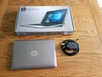 HP Pavilion x2 Detachable laptop. (Cracked screen).