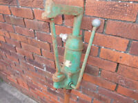 Vintage Classic Motor Oil Dispenser Hand Pump with Pint counter