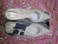 NEW JASPER CONRAN Designer Wedding Shoes: Ivory Satin & Beaded/Sling Back Kitten Heels. Size:8/Prom