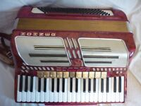 Hohner Altlnatic IV Musette Accordian in Red
