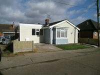 CANVEY ISLAND...3 BED DETACHED BUNGALOW ...TO RENT..UNFURNISHED...