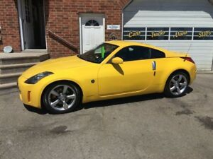 2005 Nissan 350Z 35th w/Black Seats