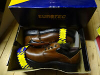 Pair of size 9 Eurotec work shoes