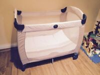 Graco Contour Electra Travel Cot Benny and Bell