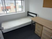 single bedroom for students/professionals avail now in hatfield near ASDA, M25, PRIVATE PARKING, ECT
