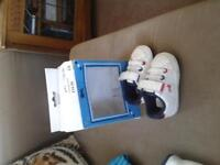 Lonsdale baby crib/pram trainers