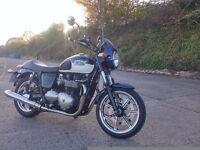 Triumph Bonneville SE 865