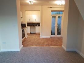2 bedroom unfurnished house in Pontypridd, available immediately. £450 pcm.
