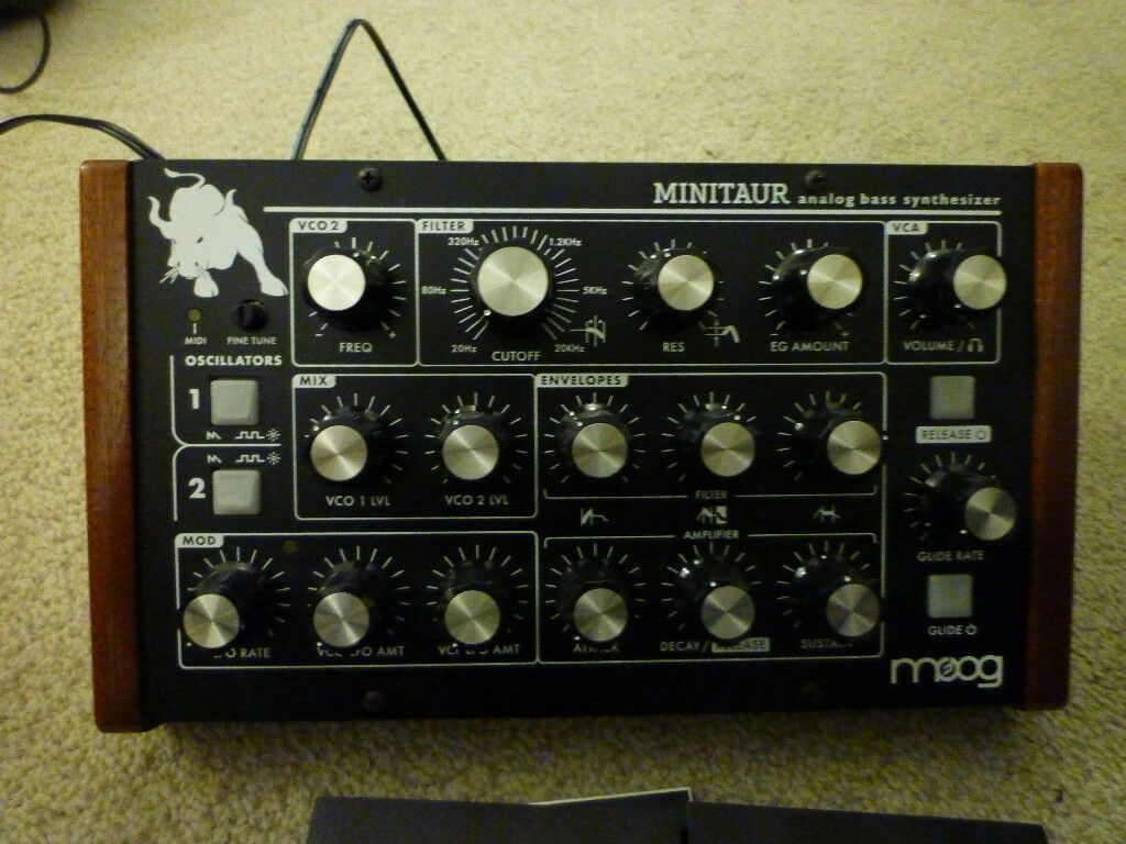 Moog minitaur – cute legend with fun factor – greatsynthesizers.