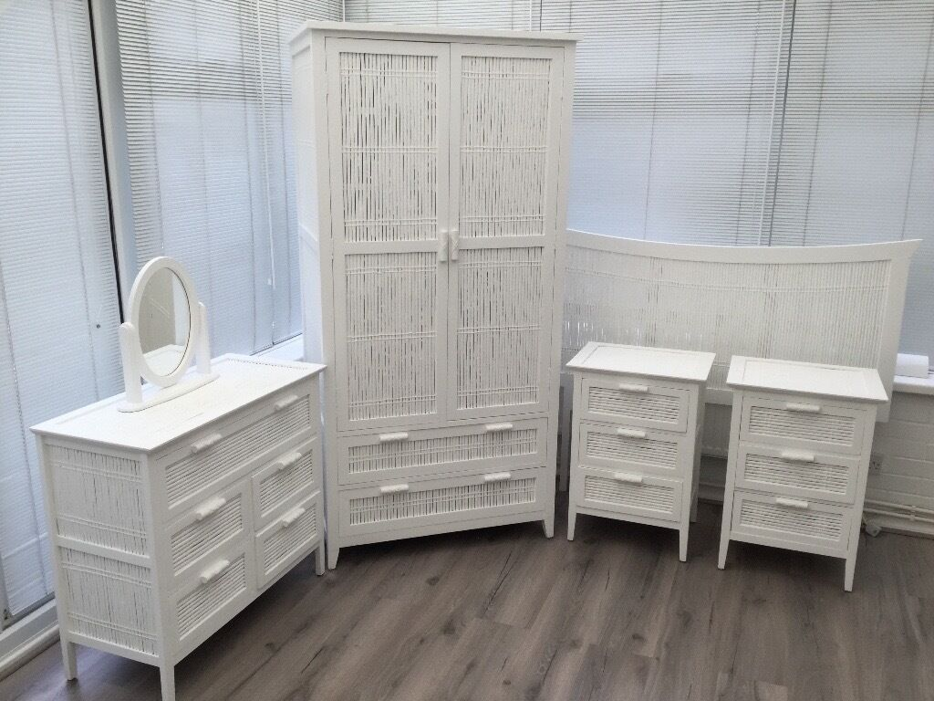 """WHITE BEDROOM FURNITUREin Totton, HampshireGumtree - Lovely White Bespoke Real Rattan Bedroom Furniture, which includes One Large Wardrobe Height size 73""""(86) x 35""""(89)W x 2(61) D complete with 2 Deep Drawers. Also One Drawer Unit which includes 1 Deep Drawer and 4 smaller drawers size 33""""(84)W x..."""