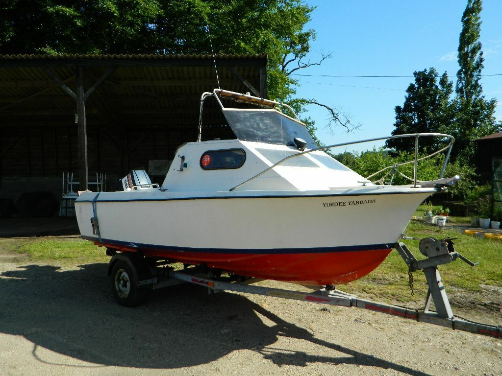 Sea fishing fishing equipment for sale gumtree for Fishing gear for sale