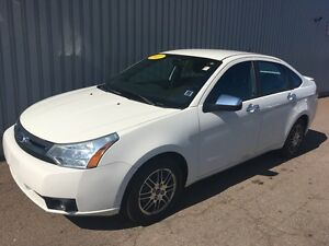 2011 Ford Focus SE VERY LOW KMs ON THIS EXCELLENT SEDAN WITH...
